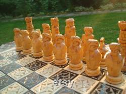 Échecs en bois et backgammon sculptés à partir de Linden Rustic Style Wood Chess Board and Figures Handmade Wood Carving Chess Set par JDProduction
