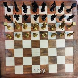 Échecs romains, échiquier, jeu d échecs pliant, échecs de taille roi, puzzles d échecs, ensemble romain d échecs en laiton avec le panneau en bois, jeu d échecs de taille de roi de 18