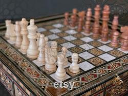 Échiquier en bois avec tiroir jeu d échecs de luxe Incrustation de mosaïque faite à la main avec perle jeu d échecs avec des pièces sculptées à la main, pièces d échecs en bois