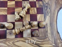 Échiquier en bois d olive 16 x 16 Rustic Live Edge avec 32 pièces d échecs artisanales, échiquier en bois, cadeau de Noël,