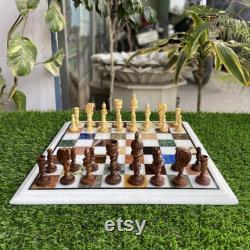 Échiquier en marbre noir avec des pièces d'échecs en marbre cadeau de Noël
