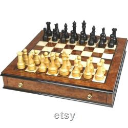 Ensemble d'échecs en orme burl et bois de rose avec poignées plaquées en laiton