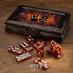 Ensemble de domino de luxe avec l ambre dans une boîte en bois et le jeu de dominos d os d ambre merveilleux jeu de plateau de cadeau en bois caske amber chips faits à la main