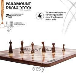 Herman Ohme Chess Set avec de plateau 21 Grande planche en bois faite à la main avec des pièces pesées en bois sculpté à la main et une boîte vintage en métal en laiton incrusté