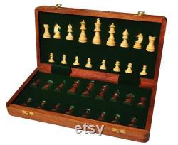 Indian Handicrafts Folding Sheesham Jeu d échecs en bois avec planche magnatique et pièces d échecs sculptées à la main 14 X 14 Pouces Cadeau de Noël