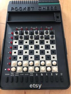 Jeu d échec électronique de poche vintage Kasparov Chess Computer Pocket Plus (1987) (Saitek Ltd)