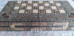 Jeu d échecs de poches de backgammon de grande taille. Mosaïque Incrustée Classique Backgammon Placage naturel de noyer ainsi que la nacre . Cadeau de famille.