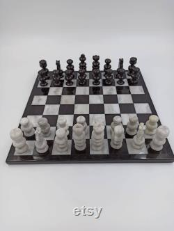 Jeu d échecs en marbre et onyx, Queens Gambit, pierre naturelle, décoration intérieure.