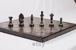Jeu d échecs en métal en laiton massif fabriqué à la main avec chess box collection vintage
