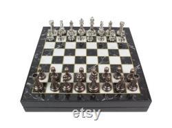 Jeu d échecs personnalisé Jeu d échecs de luxe Jeu de plateau personnalisé plaqué Chrome de 13,7 pouces Échiquier et figurines personnalisés en bois