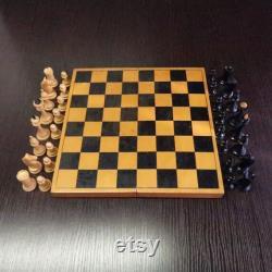 Jeu d échecs soviétique 1962 Antiques Jeu d échecs en bois avec planche Rare Vieux russe Beau vintage Échecs Belle condition Khalturin Usine de l URSS