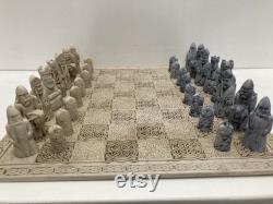 L île de Lewis Chess Set en bleu et ivoire
