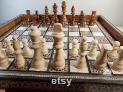 Nacre of Pearl Chess Chess Board avec tiroirs coulissants, Noël Cadeau fait main Mosaic Art, Jeu de société sculpté à la main avec 32 jeux d échecs en bois