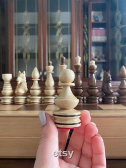 Pièces d échecs en bois faites à la main, jeu d échecs en bois, pièces d échecs de découpage de bois d échecs, morceaux d échecs faits main