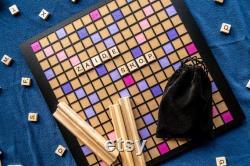 Planche de Scrabble faite à la main Rose, Violet