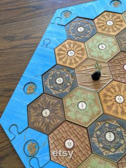 Settlers of Catan HAND PAINTED 5-6 Player Custom Wood Game Board (Board only) OR Board with Accessoires (détails ci-dessous)