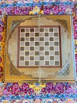 backgammon et échiquier en marquettrie persan. jeux d échecs