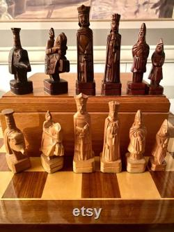 vintage années 1970 15ème siècle Florentine Design Main Sculpté Bois Jeu d échecs 4.65 K